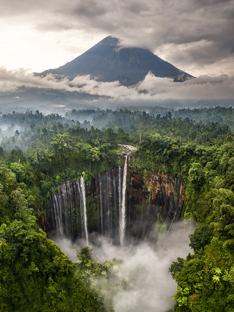 Tumpack Sewu Waterfall - hugo healy